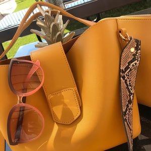 Handbags - 🍄 Mustard Handbag 🍄